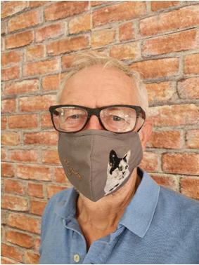 Jeremy Corbyn wearing mask